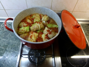 Cabbage rolls in the pot