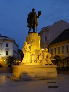 Kossuth Lajos statue